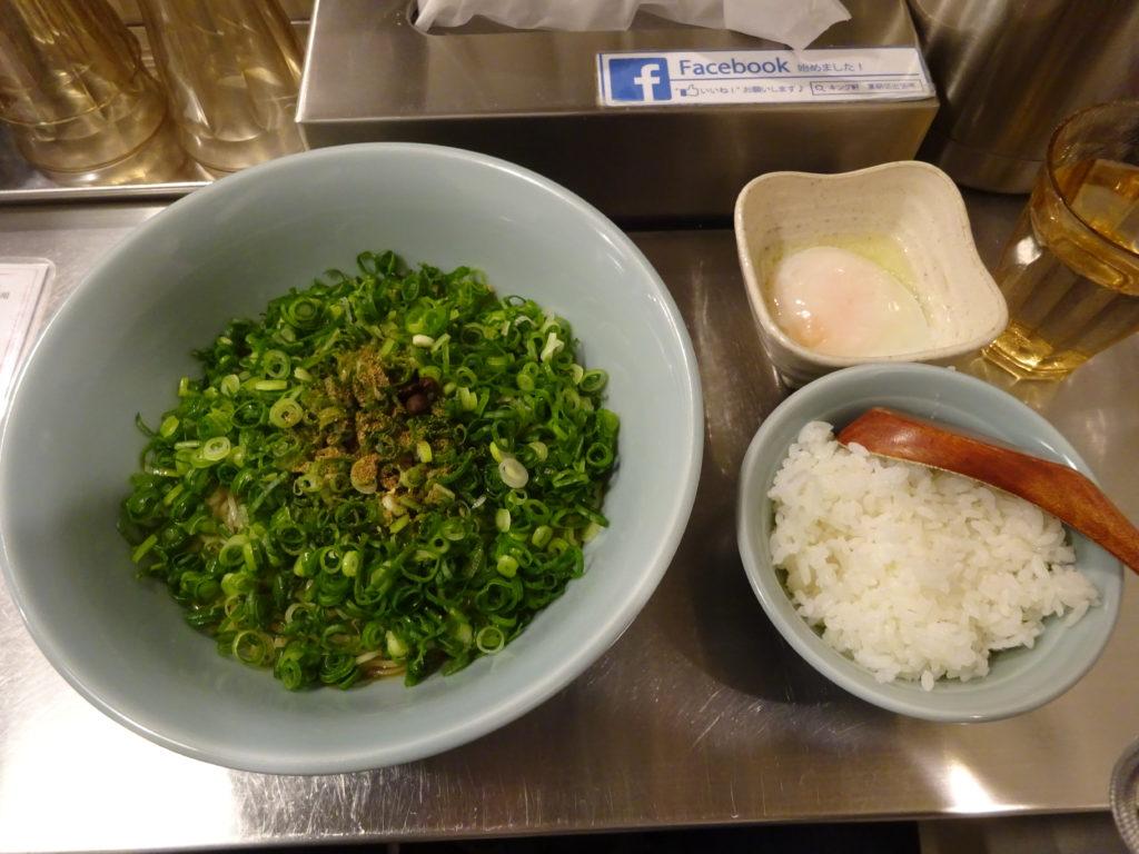 キング軒汁なし担々麺