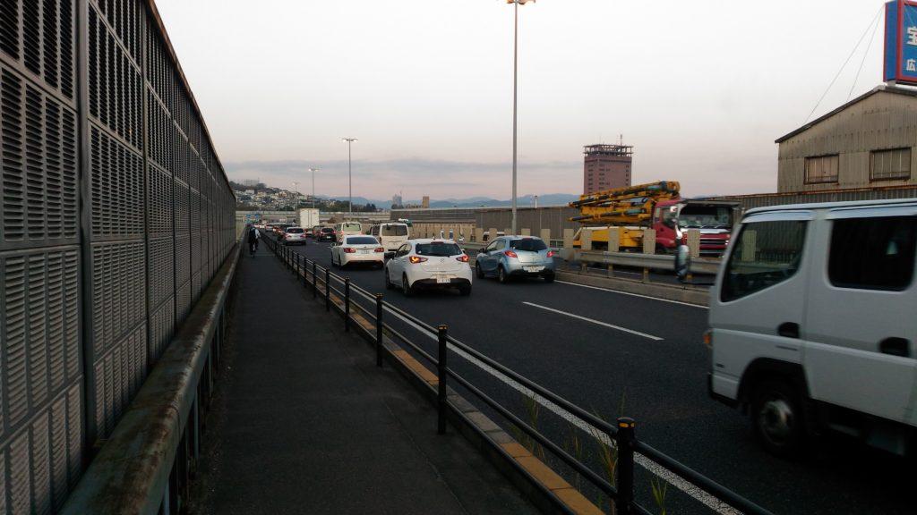 国道2号線の黄金橋