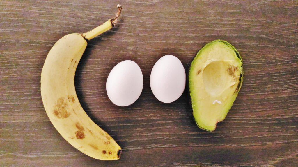 バナナゆでたまごアボカド