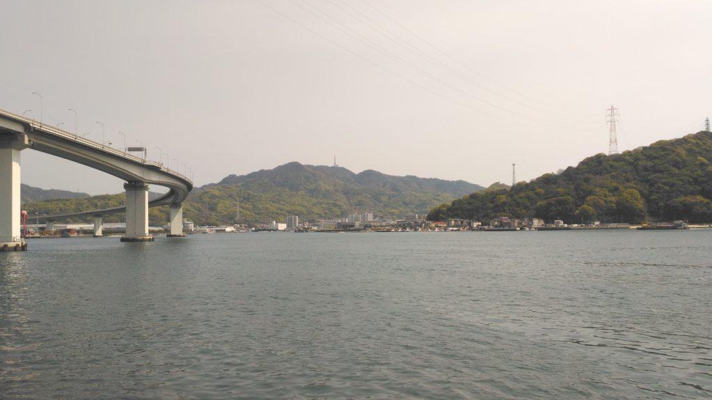 海田大橋と坂方面