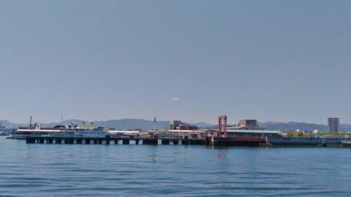 対岸の広島港