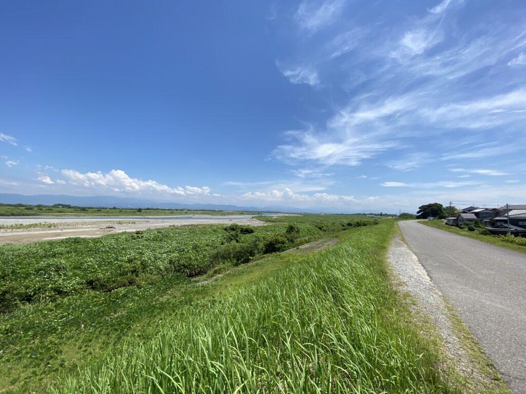手取川上流を望む