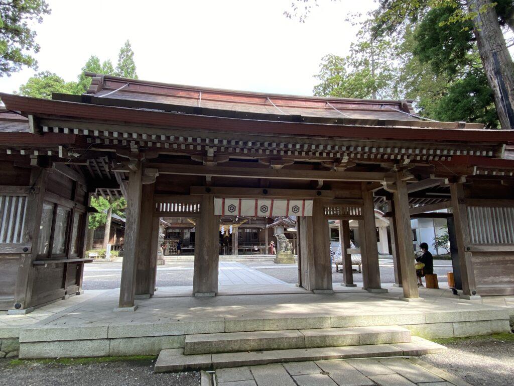 白山比咩神社 神門