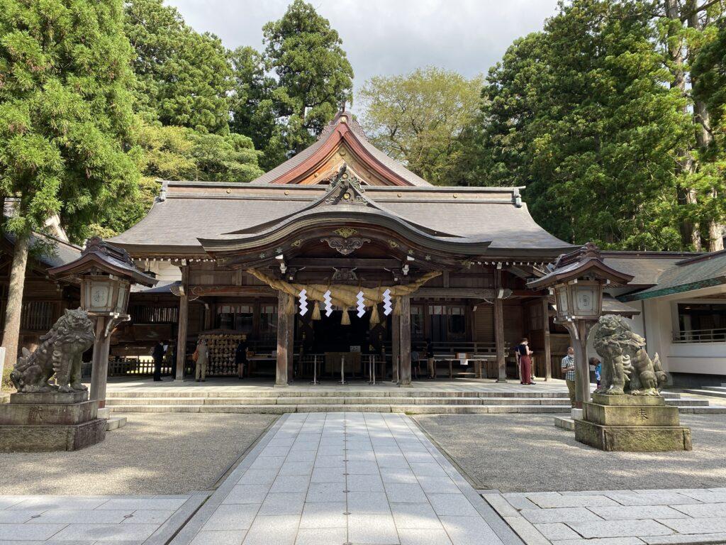 白山比咩神社 拝殿